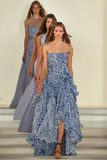 De modellen lopen het baanfinale dragend Ralph Lauren Spring 2016 tijdens de Manierweek van New York Royalty-vrije Stock Afbeeldingen