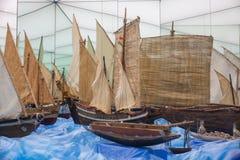 De modellen van voedsel vervoeren schepen Stock Afbeeldingen
