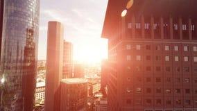 De moderne achtergrond van de stadsarchitectuur stock video