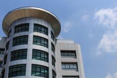 De moderne bouw op blauwe hemel 5 Stock Foto's