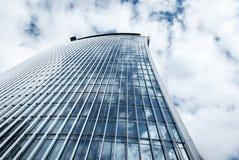 De moderne bouw van het glasbureau in London& x27; s financieel centrum Stock Fotografie