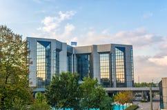 De moderne bouw van de hotelzaken stock afbeelding