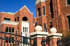 De moderne Brownstone Huizen van de Stad van het Flatgebouw met koopflats Stock Foto's