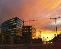 De moderne bureaubouw - de zonsondergang van Wenen Stock Afbeeldingen