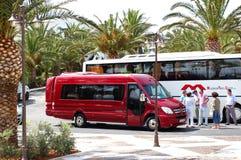De moderne bus voor toeristenvervoer Stock Foto's