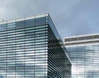 De moderne commerciële bouw stock afbeeldingen