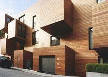 De moderne eigentijdse hout opgeruimde bouw Stock Foto's