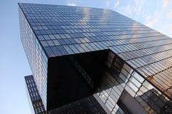 De moderne futuristische bouw Royalty-vrije Stock Afbeeldingen