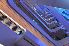 De moderne het bureaubouw van de pleinzaal ï ¼ Œmodern, moderne bedrijfs de bouwzaal, binnen de commerciële bouw Royalty-vrije Stock Foto