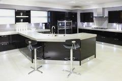 De moderne hoge keuken van de eindluxe Stock Foto's