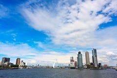 De moderne Horizon van Rotterdam Stock Foto's