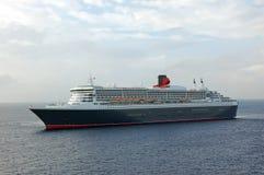 De moderne naderbij komende haven van het cruiseschip Royalty-vrije Stock Fotografie