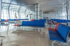De moderne Rijen van Seat van de Luchthavenzitkamer Stock Foto's
