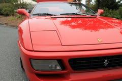 De moderne rode voorzijde van de ferrarif355 sportwagen Royalty-vrije Stock Afbeelding