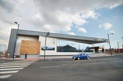 De moderne stationbouw in Leon, Spanje op 22 Augustus, 2014 Stock Afbeelding
