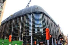 De moderne Straat van het gebouwenkanon de Stad Londen het Verenigd Koninkrijk Royalty-vrije Stock Fotografie
