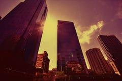 De moderne wolkenkrabbers van Chicago bij zonsondergang Stock Fotografie
