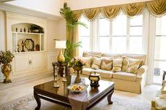 De moderne woonkamer van de luxe Stock Afbeeldingen