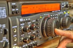 De moderne zendontvanger van de hoge frequentie radioamateur stock fotografie