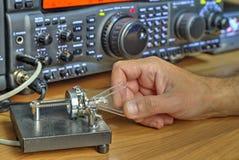 De moderne zendontvanger van de hoge frequentie radioamateur stock foto