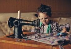 De modieuze kleermaker Stock Afbeeldingen