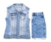 De modieuze rok en het vest van Jean op witte achtergrond, royalty-vrije stock foto's