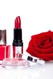 De modieuze schoonheidsmiddelen met verse rood namen toe Stock Afbeelding