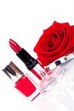 De modieuze schoonheidsmiddelen met verse rood namen toe Royalty-vrije Stock Fotografie