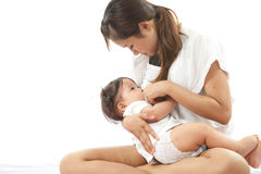 De moeder is borst - voedend Stock Foto's