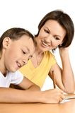 De moeder en de zoon trekken Stock Foto