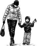 De moeder en haar weinig kind gaan voor een gang Royalty-vrije Stock Afbeelding
