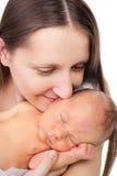 De moeder van de close-up met pasgeboren Stock Afbeeldingen