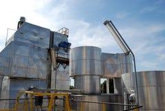 De molen van het papier en van de pulp - de elektrische centrales van de Cogeneratie Stock Foto's
