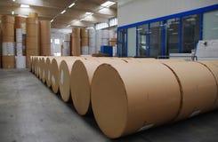 De molen van het papier en van de pulp - de voorraad van het Papier Stock Foto's