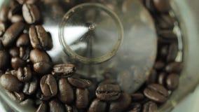 De Molen van de koffieboon stock footage
