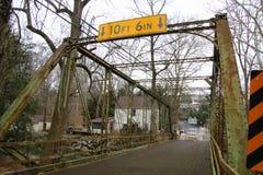 De de Molenbrug van de oude Belemmering is gesloten voor reparaties royalty-vrije stock afbeeldingen