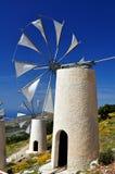 De molens van de wind in Kreta stock afbeelding