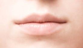 De mondclose-up van de vrouw royalty-vrije stock afbeelding