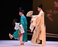 """De monniken lopen samen met het ventilator-Kunqu Opera """"the Westen Chamber† Stock Fotografie"""