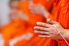 De monniken overhandigen Royalty-vrije Stock Afbeelding