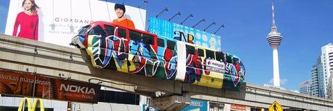 De Monorail van Kl en Toren Kl Stock Foto