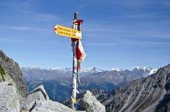 Знаки тропки de Mont Blanc путешествия Стоковое фото RF