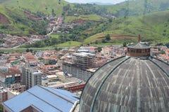 De monumentale Kathedraal van Aparecida do Norte - luchtmening Royalty-vrije Stock Foto's