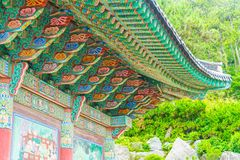 De mooie Architectuur bij de Tempel van Haedong Yonggungsa zit op a Royalty-vrije Stock Foto's