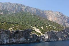 De mooie baai in de Golf van Orosei, Sardinige - Italië stock foto