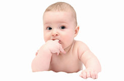 Mooie baby op witte deken Royalty-vrije Stock Fotografie