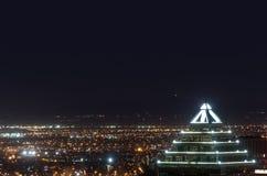 De mooie bouw bij nacht Stock Foto's
