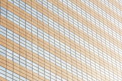 De mooie bouw van het architectuurbureau met de texturen van het glasvenster royalty-vrije stock fotografie
