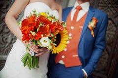 De mooie Bruid van het huwelijksboeket Stock Foto's