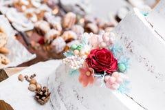 De mooie Cake van het Huwelijk Stock Foto's